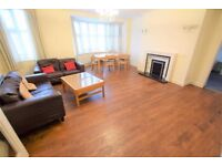 3 Bedroom House - Close to Hendon Central Station