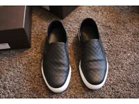 Gucci signature slip-on sneakers micro guccissima leather size 9.5 only worn twice. Authentic