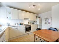 Split level three double bedroom flat with a garden moments from Mile End LT REF: 4586225
