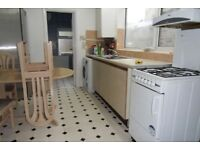 spacious 4 Double Bedroom House Walking Distance to Plaistow Station in Chesterton Terrace E13.
