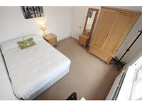 Beautiful double room available in a house share: situated in Caversham - Available now
