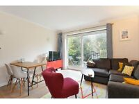 Two bedroom flat on Grove Park, Camberwell SE5