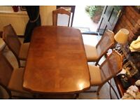 Dining table, extendable, 6 chairs. Very good condition