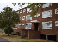 NICE LARGE STUDIO FLAT - HARLINGTON HAYES / HEATHROW - £ 950 pcm - UB3 5EP - AVAILABLE NOW