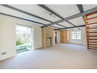 Two Bedroom House to rent Parkside Location - Plough Cottage, Well Lane, East Sheen, SW14