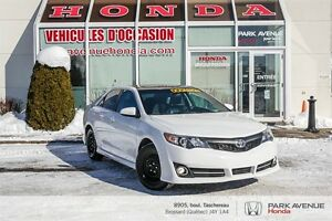 2012 Toyota Camry SE * Mags * Toit-ouvrant * Navigation