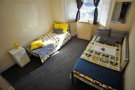 LARGE TWIN ROOM IN SEVEN SISTERES - 4 MIN WALK STATION