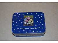 tea party in a tin - gift/toy. (Brand new)