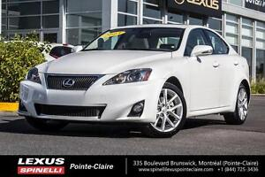 2013 Lexus IS 250 AWD / TRES PROPRE/ CUIR /TOIT OUVRANT One owne