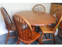 Pine round table & 4 Chairs, vintage golden Pine