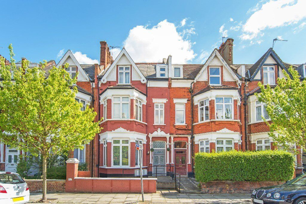 Beautiful new one bedroom garden flat in Cricklewood.
