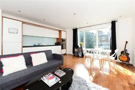 ***Highspec 2 double bedroom flat, 5 mins from Balham, Parking, Must see***