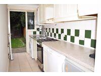 Ilford: Large 2 bedroom ground floor garden flat