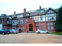 1 Bedroom Flat in Stately Home Conversion