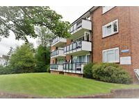 2 bedroom flat in Raymead, Tenterden Grove, Hendon, NW4
