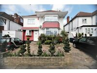 4 bedroom house in Rundell Crescent, Hendon, NW4