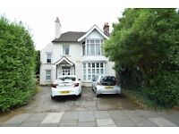 A three bedroom first floor conversion located on the High Road in Whetstone N20