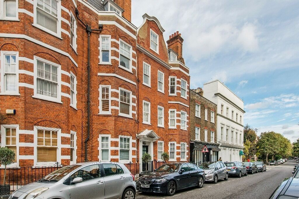 **Stunning second floor two double bedroom bright & spacious flat in St Johns Wood £450pw/£1950pcm**