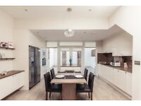 STUNNING 3 DOUBLE HOUSE ON GRAFTON ROAD FOR ONLY £825.00 PER WEEK