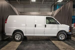 2016 Chevrolet Express 2500 CARGO VAN / LOW KMS / LEATHER