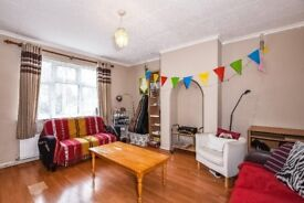 A well presented three bedroom house to rent close to Wimbledon Park