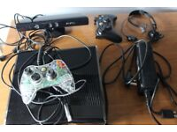 Xbox 360 + 2 Controllers + Kinect + Headset + 8 Games