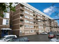 3 bedroom flat in Hillpark Drive, Glasgow, G43 (3 bed)