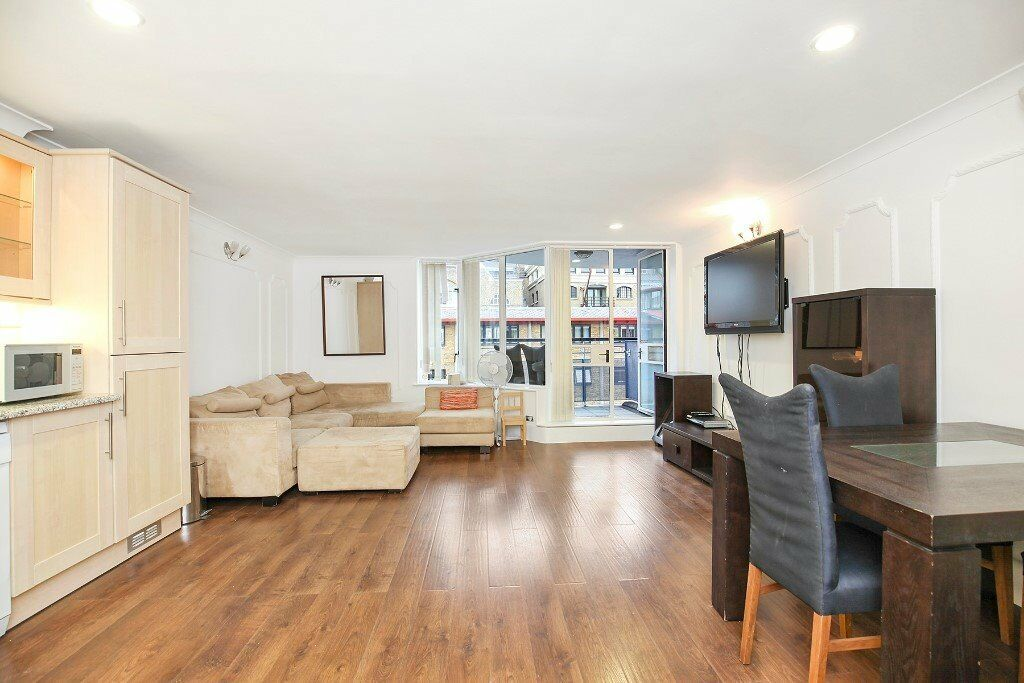SHAD THAMES - Large newly refurbished 2 double bedroom apartment - Available now!