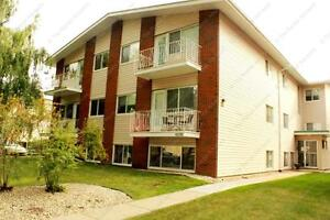 IDEAL LOCATED 1-BDRM CONDO WITH PARKING IN OLIVER