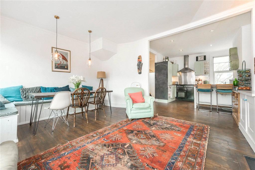 3 bedroom flat in Drayton Road, London, NW10