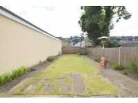 ***Prime Location****2 bed flat with Private garden on Woodside, Wimbledon, SW19