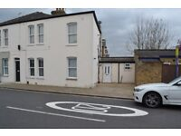 Two Bed Apartment located in Sought After Location of Linkfield Road