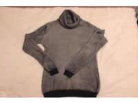 Isolid Turtle neck jumper size M