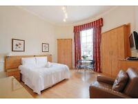 TOP luxury HUGE studio flat in marylebone. Close to LBS/ Regents. **CALL NOW**