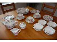 Good selection of Villeroy and Boch Chintz Porcelain