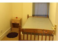 3 bedroom garden house available now 3 min walk to Brent oak tube station £1750 pm