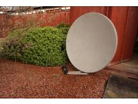 Satellite Dish 1 meter with wall mounts