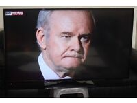 """50"""" HITACHI 50HYT62UB FULL SMART HD LED WIFI TV WITH BUILT IN FREE VIEW IN A VERY GREAT CONDITION."""