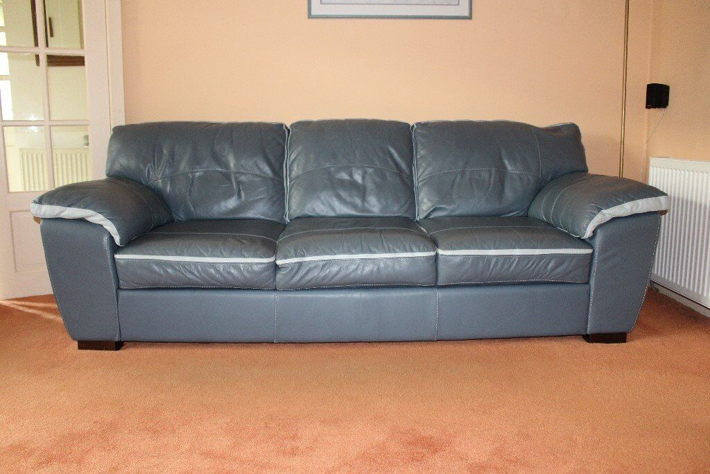 Beautiful set of Italian leather sofas, 2 and 3 seater