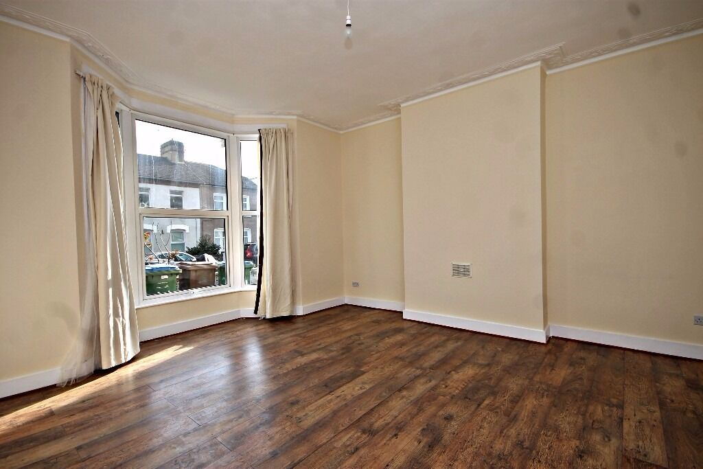 TWO BEDROOM GROUND FLOOR FLAT WITH PRIVATE GARDEN IN WALTHAMSTOW VILLAGE!