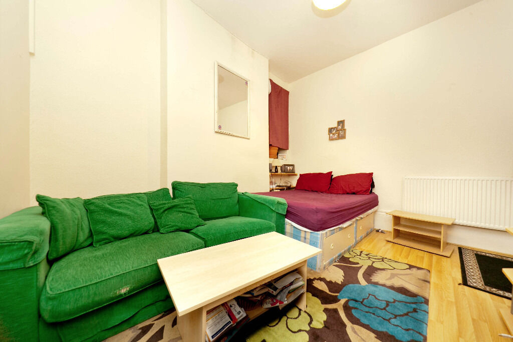 Islington Studio available at a reduced price