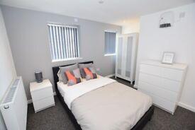 Stourbridge ensuite room available NOW!! DY9