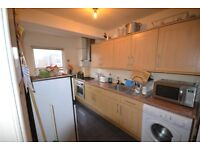 RECENTLY DECORATED 3 BED AVAILABLE IN NW6 WITH FULLY FITTED KITCHEN - NO FEES TO TENANTS