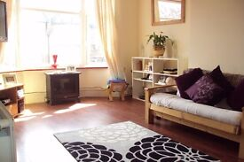 PRIVATE****SUPERB 2 BEDROOM GROUND FLOOR WITH PRIVATE GARDEN EAST FINCHLEY N2