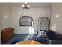 PH3 – Spacious Bright Quiet ONE BED FLAT (1st Floor) in Hampstead moments to the Heath