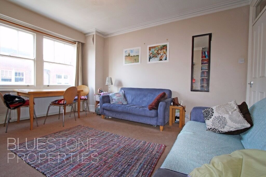!!LOOK!! - 2 Bed Flat. Excellent Fulham Location. Close to Tube. Very good condition. SW6