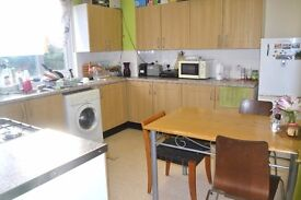 LOVELY 3 BEDROOM FLAT IN E16