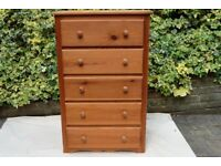 Solid pine chest of drawers, 109 x 69 x 43 cm. 5 drawers