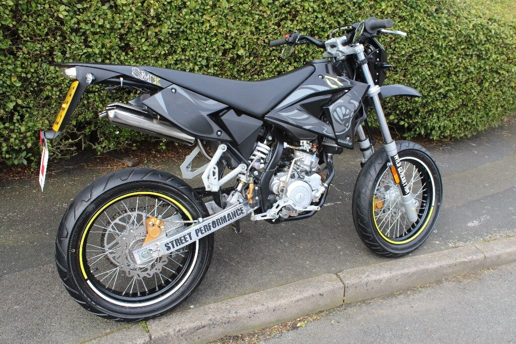 beeline 50cc supermoto moped sm cpi in sandwell west midlands gumtree. Black Bedroom Furniture Sets. Home Design Ideas