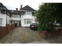 4 bedroom house in Highfield Avenue, Golders Green, NW11